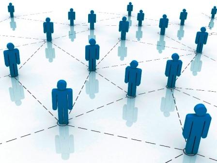 بررسی تاثیر شبکههای اجتماعی بر روی جوانان و امنیت دادههای شبکههای اجتماعی در راستای کارآفرینی بومی